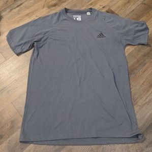 Adidas Men's Tshirt. Large.